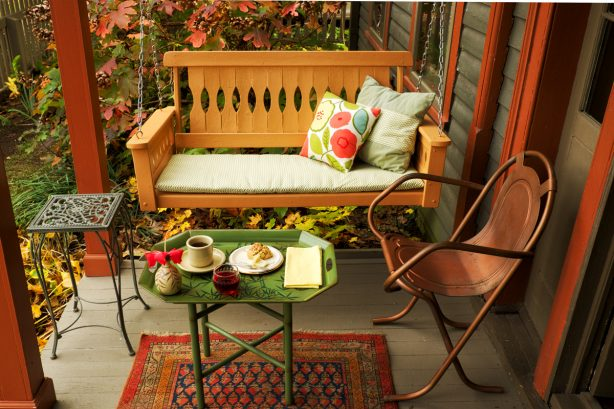 Leather Leaf Inn Porch with Breakfast