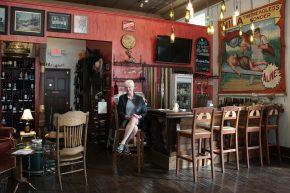 Sara's Cafe, Bistro & Wine Bar