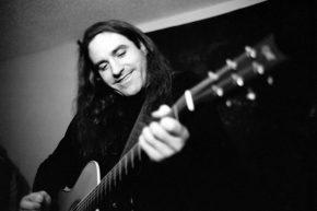 Concert: Mark Stuart