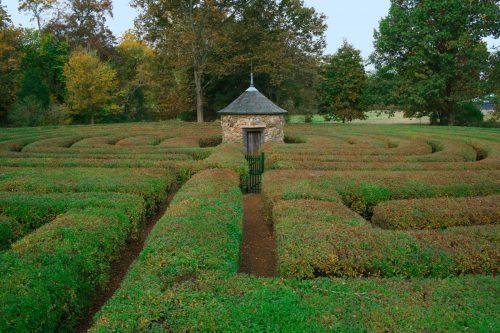 The Harmonist Labyrinth